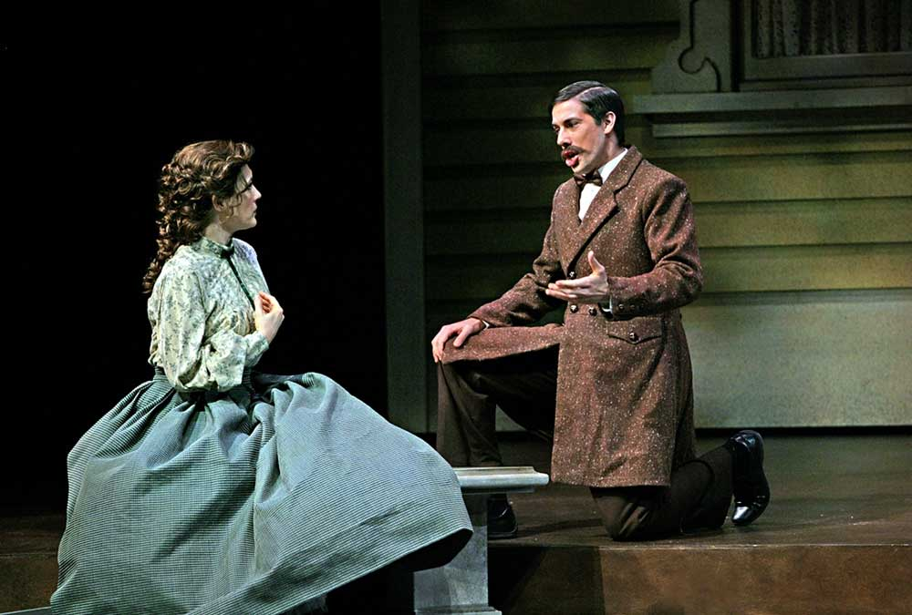 Phillip Addis dans <i>Little Women</i> de Mark Adamo à l'Opéra de Calgary en janvier 2010.  Photo Trudie Lee