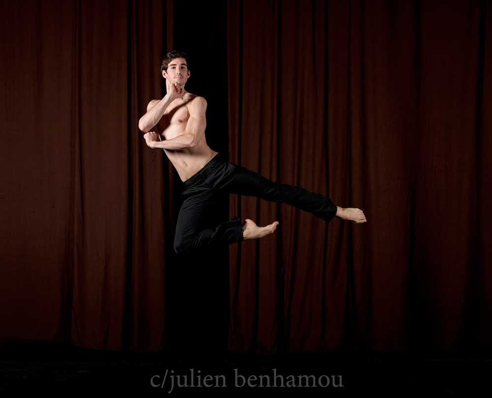 Vincent Chaillet, danseur de l'Opéra National de Paris, photographié par Julien Benhamou.  D.R.