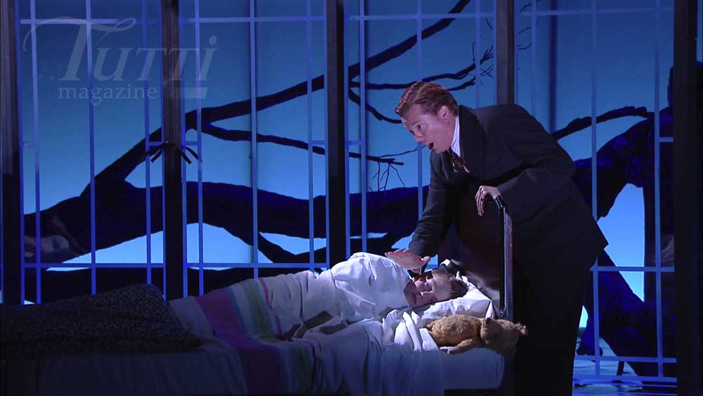Thomas Parfitt (Miles) et Toby Spence (Peter Quint) dans <i>The Turn of the Screw</i> à Glyndebourne.