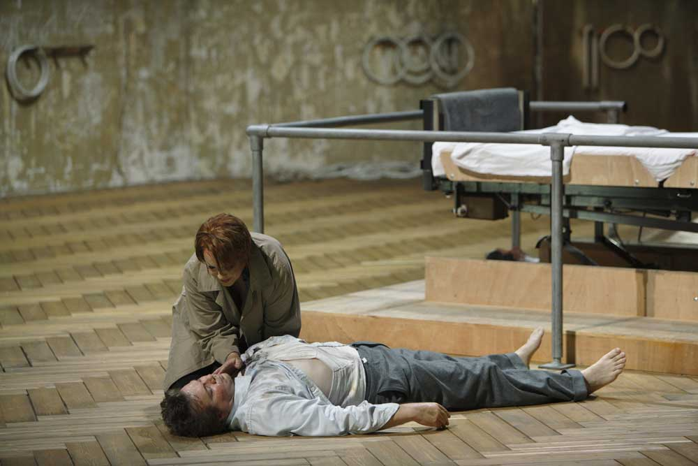 Tristan und Isolde Bayreuth 2009 (Marthaler/Schneider) TristanBayreuth_4