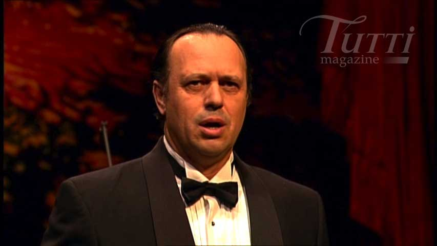 Vladimir Galouzine interprète un air de <i>Pagliacci</i>.