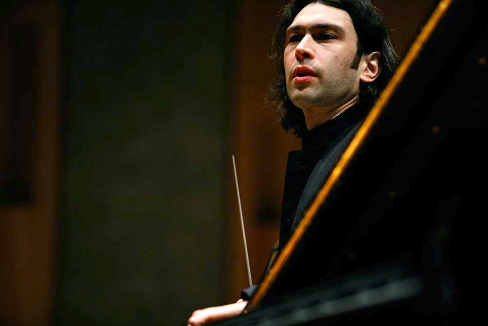 Vladimir Jurowski.  © Photo Fred Toulet