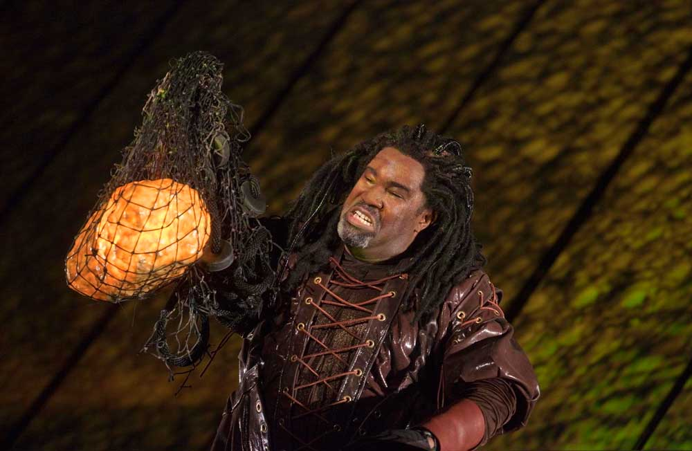 Eric Owens (Alberich).  Photo : Ken Howard/Metropolitan Opera
