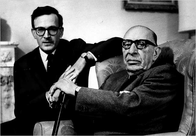 Robert Craft et Igor Stravinsky en 1964.