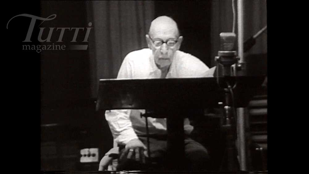 Stravinsky enregistre à Hollywood.