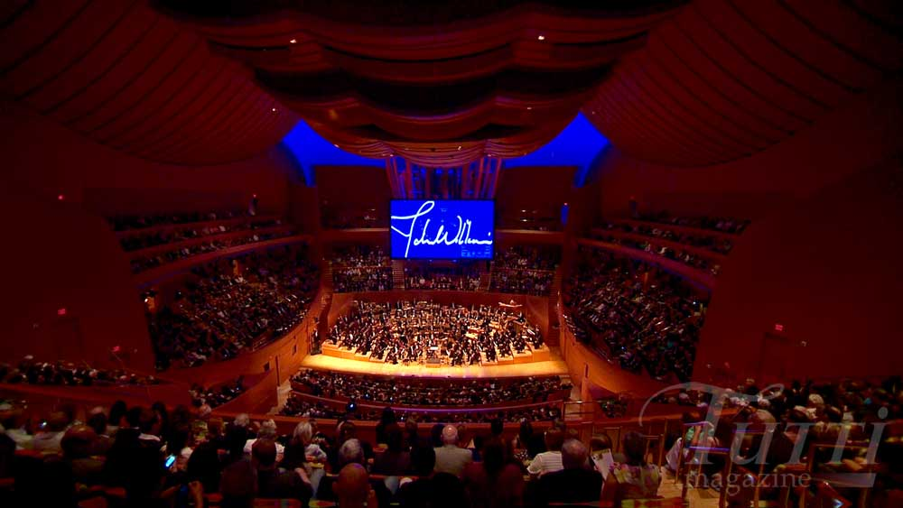 Le Walt Disney Concert Hall de Los Angeles à l'heure de la musique de John Williams le 30 septembre 2014.